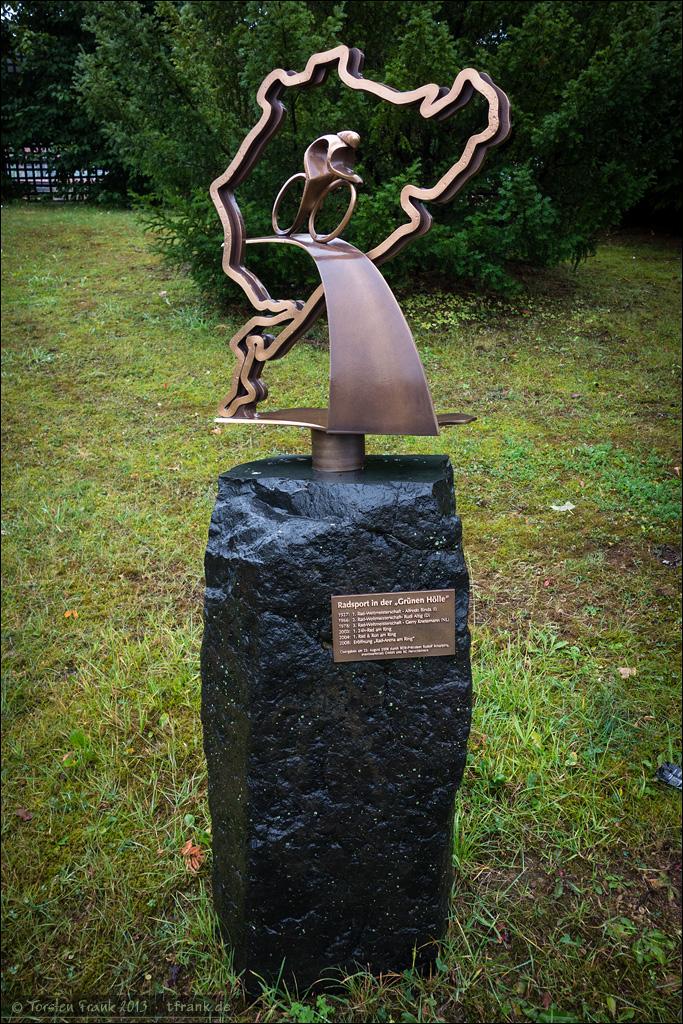Die Fahrradhistorie des Nürburgringes reicht deutlich weiter als die Rad am Ring Verantstaltungen zurück: 1927 fand dort bereits die Rad-Weltmeisterschaft statt.