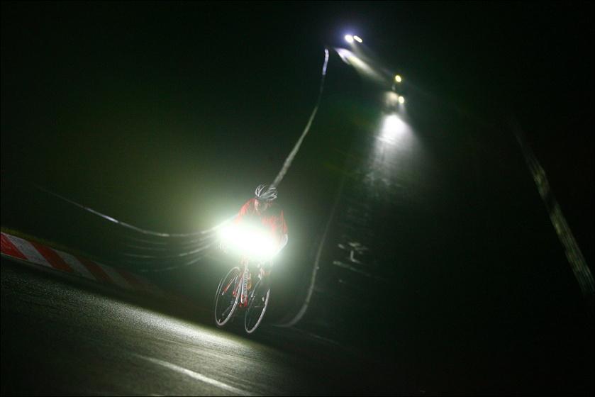 Nachtflug! Foto: Sportograf