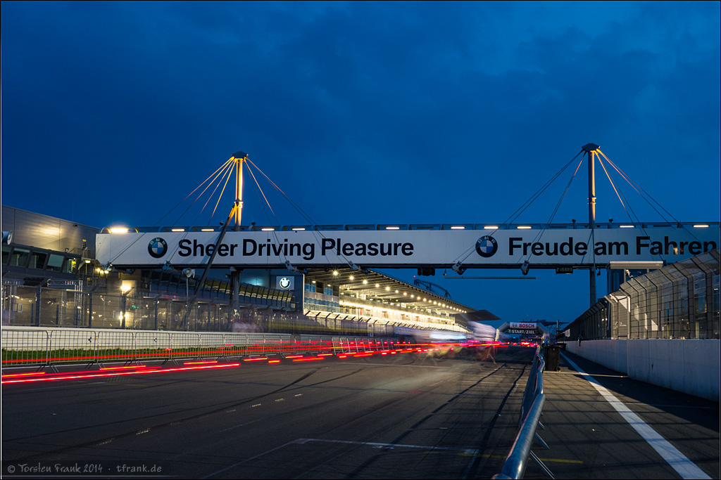 "Sheer ""Riding"" Pleasure! :) Start-Ziel-Gerade und Leuchtspuren"