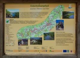 Nicht nur ein schöner Radweg läuft entlang der Eder, sondern auch ein schöner Wanderweg: der Ederhöhenpfad.