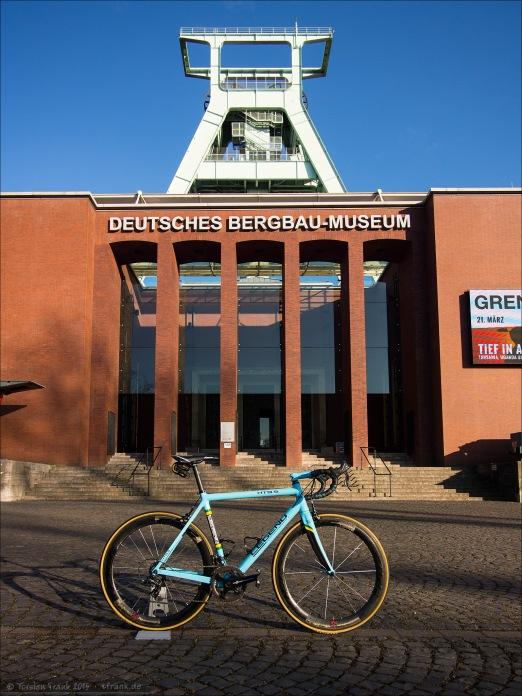 Legend HT 9.5 vor dem Deutschen Bergbaumuseum