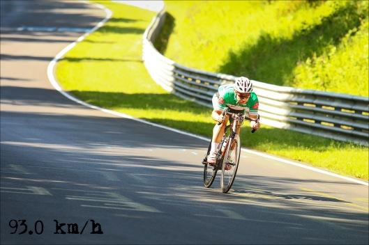 Runde 5 - in der Fuchsröhre. Going low and going fast ;-) Mit Gabba 92,6 km/h und mit Aero-Trikot 93,0 km/h. Komplett unwissenschaftlich, aber hey: schneller ;-)  (Foto: Sportograf)