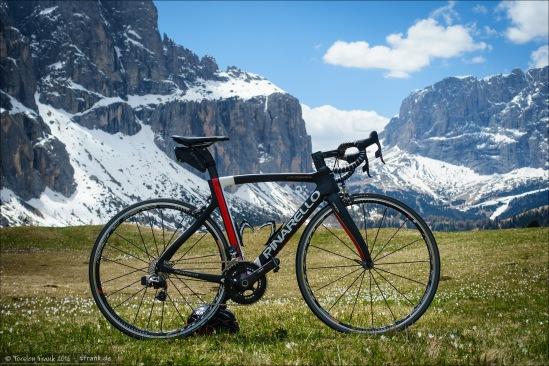 Das Pinarello Dogma F8. Ausgestattet mit SRAM Red eTap und Fulcrum Racing Zero Laufrädern.
