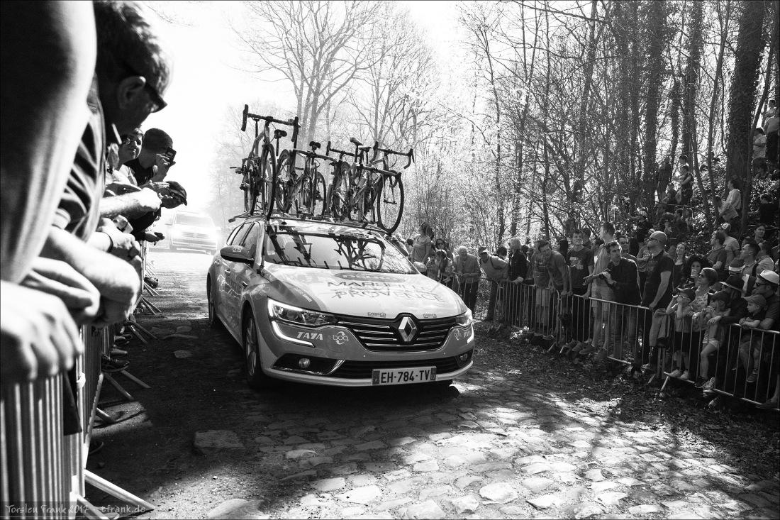 DELKO MARSEILLE PROVENCE KTM Team Car im Wald von Arenberg