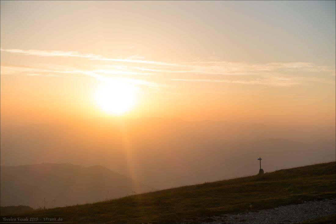 11332_0363-Sonnenuntergang-Wegweiser_2048