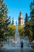 Musikbrunnen und Elisabeth-Dom