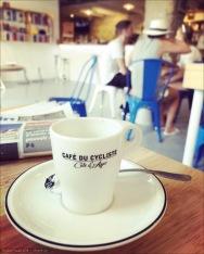 Häufiges Vormittagsritual - ein kurzer Pre-Ride Espresso oder Cappuccino im Café du Cycliste.