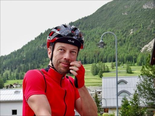 In La Punt, im Gespräch mit Michael und Vincent (Foto: Adventure Bike Racing)